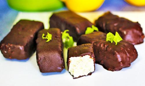 Протеиновые кокосовые конфеты «Баунти»