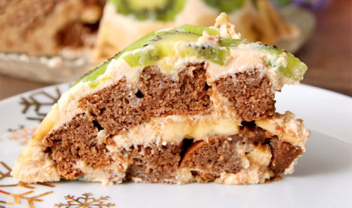 Фруктовый торт со сметанным кремом