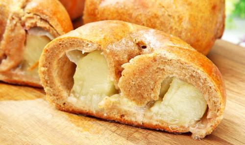 Творожные булочки с персиками в духовке