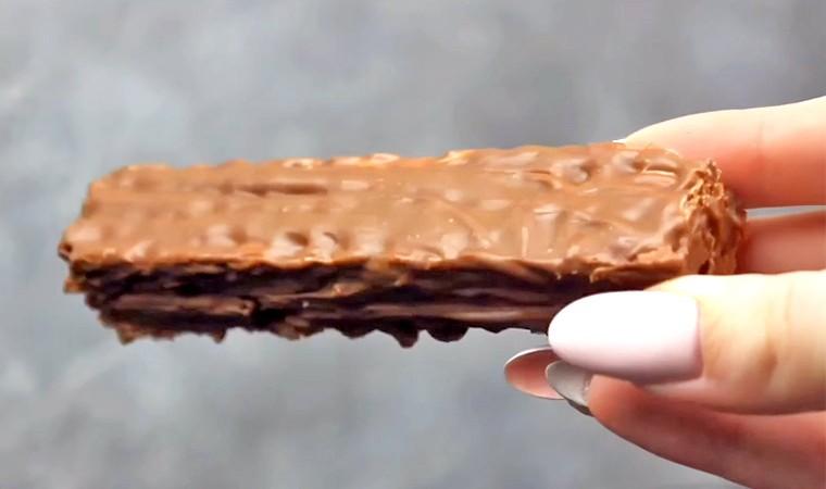 Шоколадный батончик KitKat