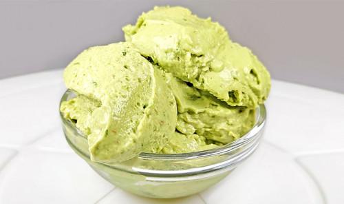 Мороженое из авокадо и лайма