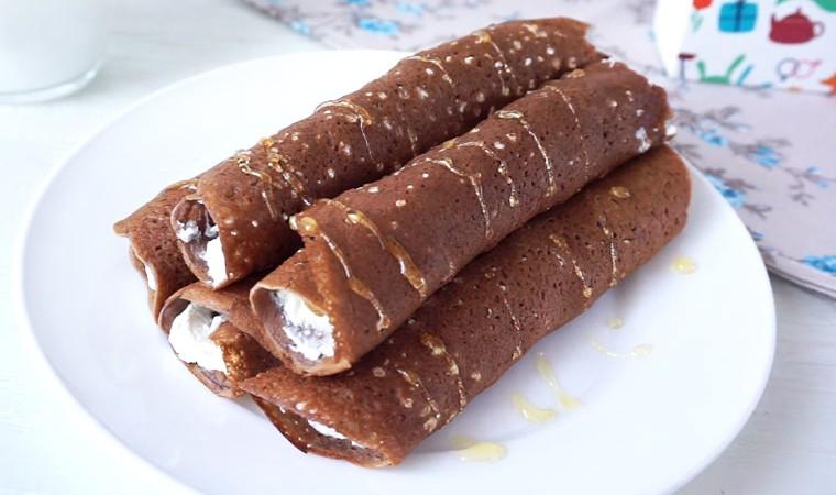 Шоколадные блинчики с творогом и изюмом