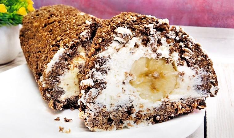 Шоколадный рулет с творогом и бананом