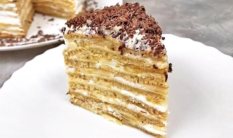 Торт с творожным кремом и бананом на сковороде