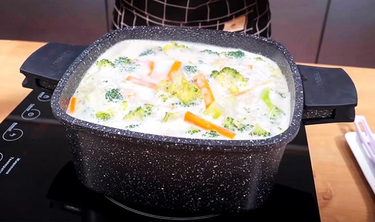 Суп с сыром, морковью и брокколи