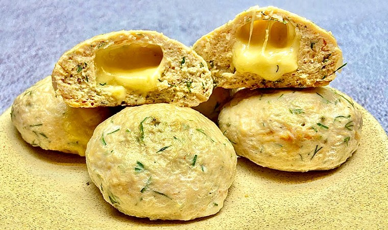 Куриные котлеты с сыром в духовке