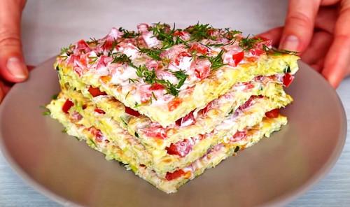 Овощной торт из капусты с помидорами