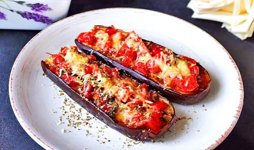 Баклажаны, запеченные с помидорами и сыром в духовке
