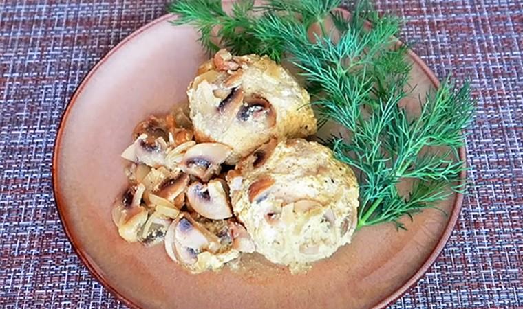 Тефтели из куриного фарша с грибами