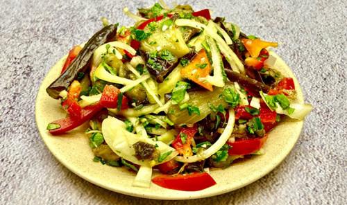 Салат из вареных баклажанов