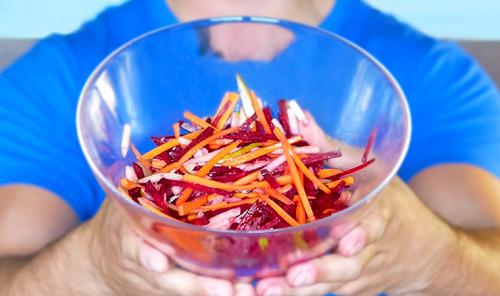 Салат с морковью, свеклой и грушей