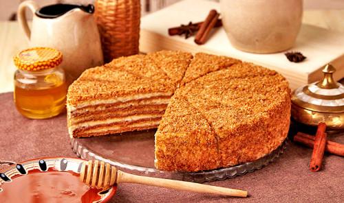 Торт «Медовик» - подборка диетических рецептов