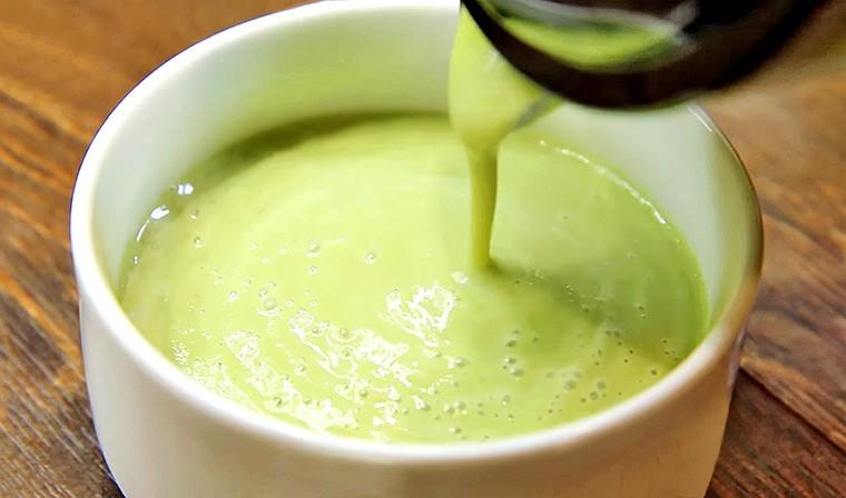 Крем-суп из брокколи и сельдерея