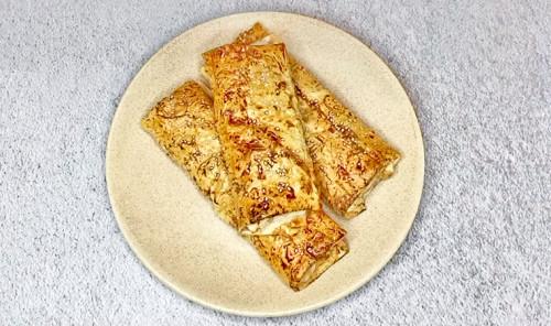Лаваш с курицей и сыром в духовке