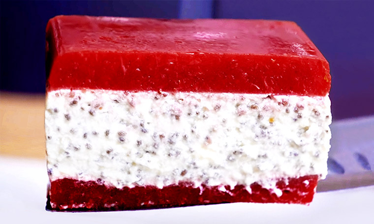 Клубнично-йогуртовый десерт без выпечки