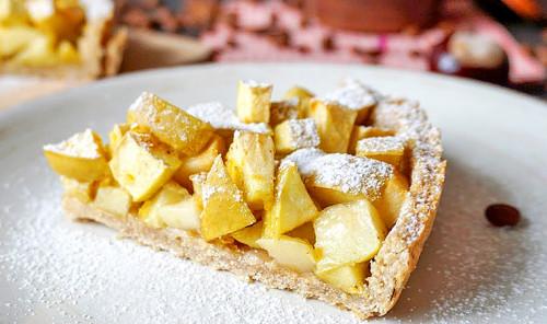 Пирог с яблоками и овсянкой
