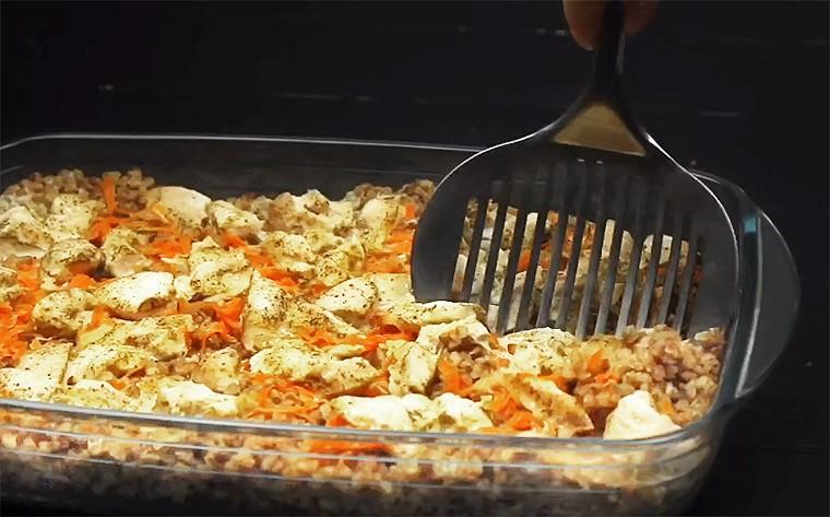 Гречка с куриным филе в духовке