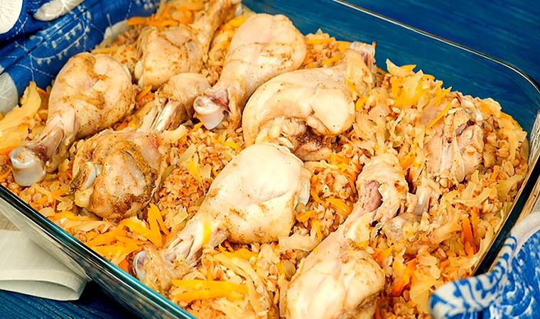 Курица с гречкой и квашеной капустой в духовке
