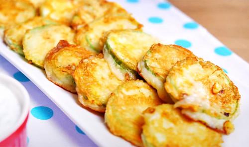Кабачки с сыром на сковороде
