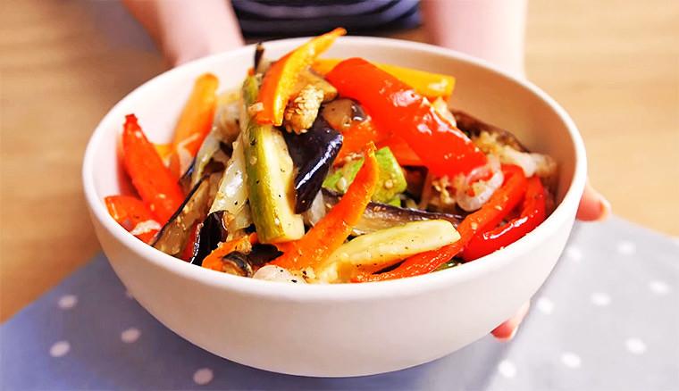 Запеченные в духовке овощи в кисло-сладком соусе