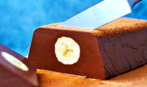 Шоколадный десерт с бананом