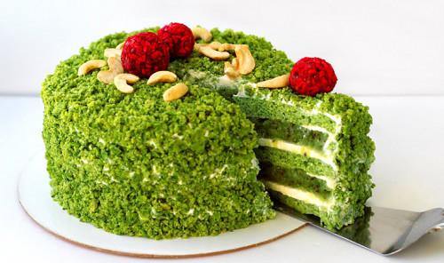 Зеленый торт с киви