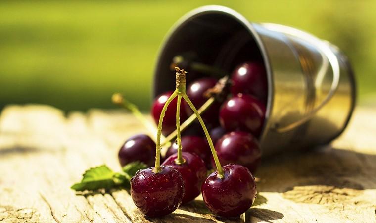 Подборка диетических рецептов с вишней