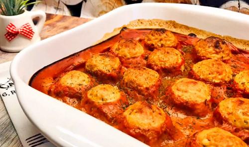 Тефтели с сыром в томатном соусе в духовке