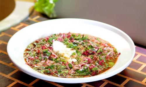 Холодный суп на квасе (Окрошка)
